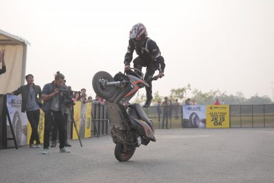 MOST CIRCLE WHEELIES ON A NON GEARED VEHICLE